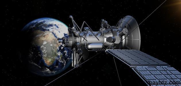 لماذا لا نرى الأقمار الاصطناعية بأعيننا