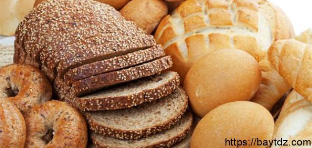 ما الفرق بين الخبز الأبيض والأسمر – فيديو