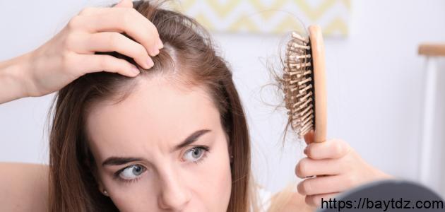 ما سبب تساقط الشعر بكثرة عند البنات
