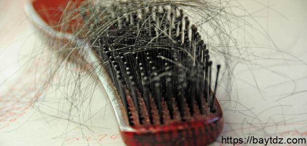 ما علاج تساقط الشعر عند النساء