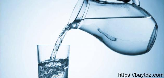 ما فائدة شرب الماء البارد