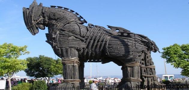 ما هو حصان طرواده