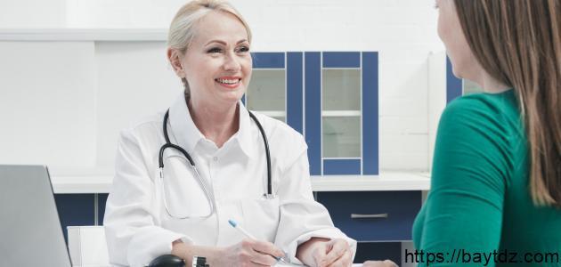 ما هو علاج سلس البول عند النساء