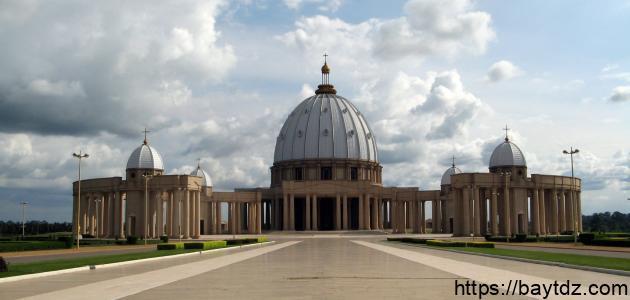 ما هي أكبر كنيسة في العالم