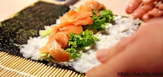 ما هي مكونات أكلة السوشي