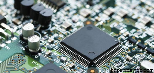 ما هي مكونات وحدة المعالجة المركزية