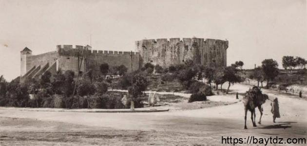 مدينة تاريخية قديمة بناها الكنعانيون
