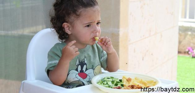 مراحل التغذية عند الطفل