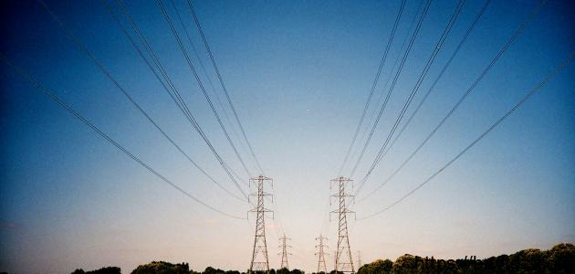 من مكتشف الكهرباء