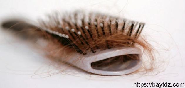 هل نقص الفيتامين يؤدي إلى تساقط الشعر