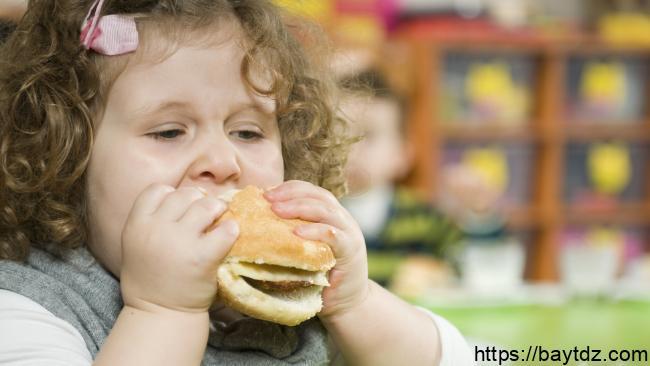 تأثير السمنة على نمو مخ الأطفال