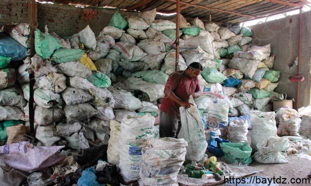 حي الزبالين ودوره في اعادة تدوير النفايات