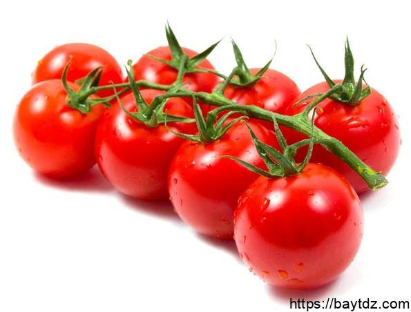 دور عصير الطماطم في علاج ضغط الدم