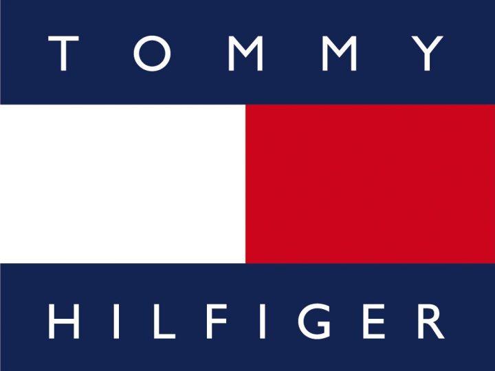 طريقة الشراء من موقع تومي هيلفجر اون لاين الامريكي