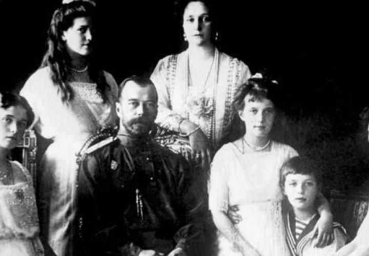 قصة عائلة رومانوف