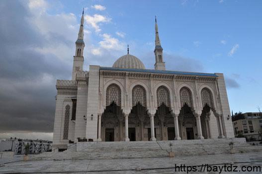 قصص عن فضل بناء المساجد