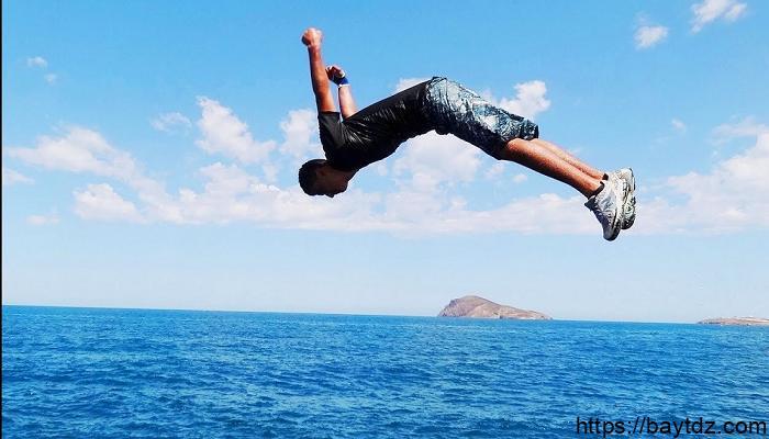 ما معنى القفز في البحر في المنام