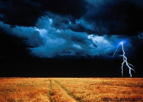 مراحل تكوين المطر في سورة النور