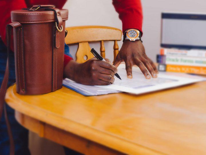 نصائح قبل توقيع عقد العمل