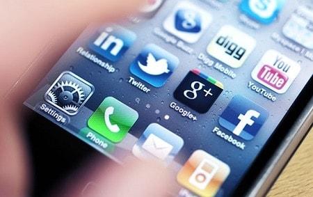 تأثير شبكات التواصل الاجتماعي على تحقيق اهداف المشاريع