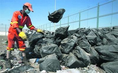 اضرار صناعة البلاستيك على الانسان والبيئة والحل المناسب لذلك