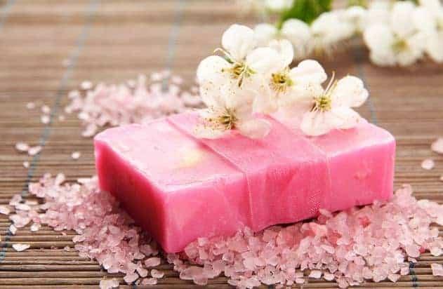 طريقة عمل صابون معطر عالى الجودة منزلياً