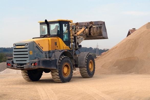 مشروع بيع معدات ثقيلة مستعملة بالعمولة (مشروع مربح بتكاليف بسيطة)