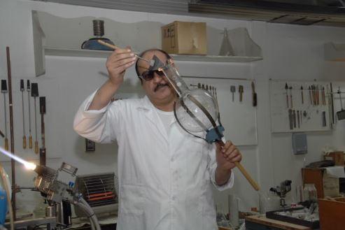 مشروع متجر لبيع مستلزمات صناعة الزجاج المتنوعة وارباح ممتازة