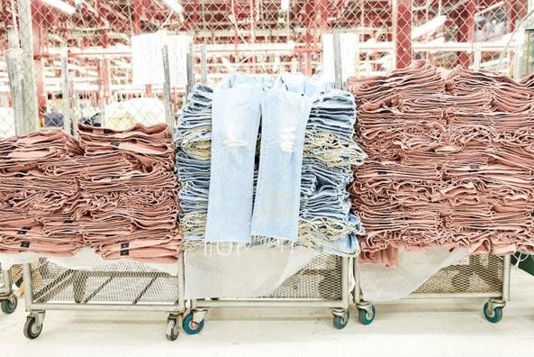 مشروع مصنع جينز بالتفصيل + رسم توضيحي لحجم الطلب